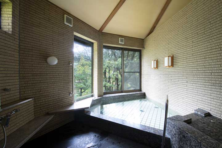 Hot bath located at Matsunaga Rokkan in Obama City.