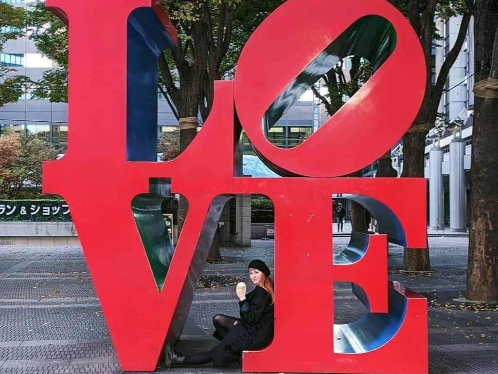 Love sign in Japan